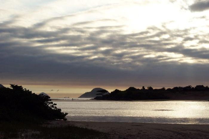 lago-con-horizonte-de-mar