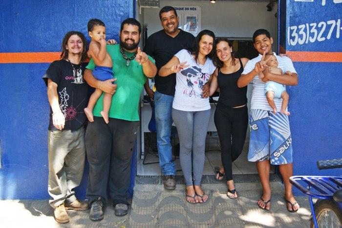 junior-y-su-familia-gov-valadares