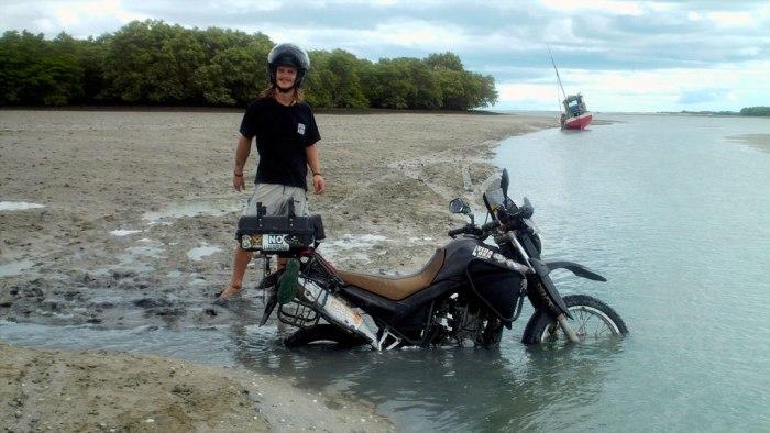 Enterrado-en-los-manglares